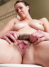 hairy armpits, Hairy babe Veronica Snow gets wet in the shower