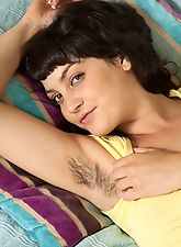 hairy mature, Angelina Dee pulls her leg hair in the sun